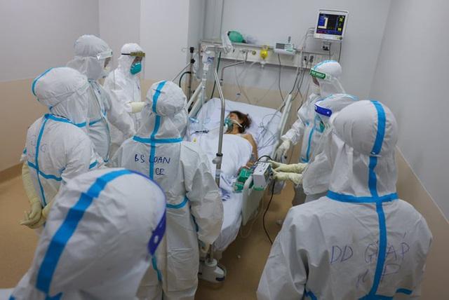 Bộ trưởng Bộ Y tế: TP.HCM đang trong trận chiến chống dịch nặng nề nhất, chưa có trong tiền lệ - Ảnh 1.