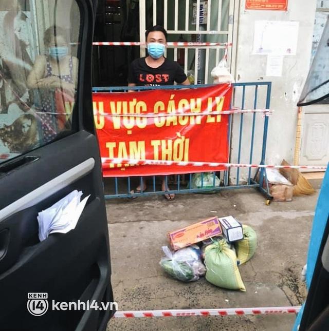 Giám đốc trẻ ở Sài Gòn thành lập hội shipper từ thiện bằng ô tô, tiếp tế lương thực cho người dân trong khu phong tỏa, cách ly - Ảnh 6.