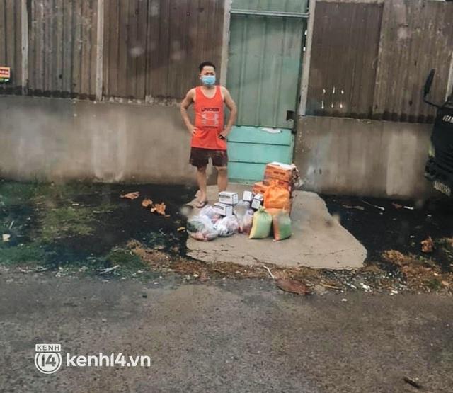 Giám đốc trẻ ở Sài Gòn thành lập hội shipper từ thiện bằng ô tô, tiếp tế lương thực cho người dân trong khu phong tỏa, cách ly - Ảnh 8.
