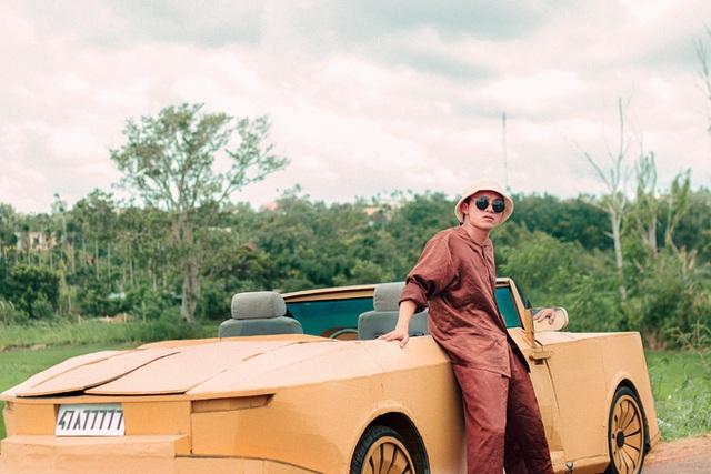 Sau Mercedes-AMG G 63, nhóm bạn Đắk Lắk tiếp tục gây sốt với Rolls-Royce Boat Tail triệu USD làm bằng bìa carton - Ảnh 10.