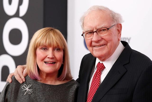 Đạo lý giúp Warren Buffett trở thành tỷ phú vĩ đại và bài học sắc như dao dành cho con gái: Nếu hiểu nguyên tắc này, người mù chữ cũng có thể trở nên giàu có! - Ảnh 1.