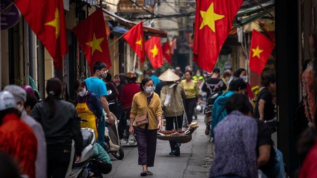 Mổ xẻ những điểm thú vị về sự thay đổi trong hành vi tiêu dùng người Việt thời kinh tế giãn cách - Ảnh 1.