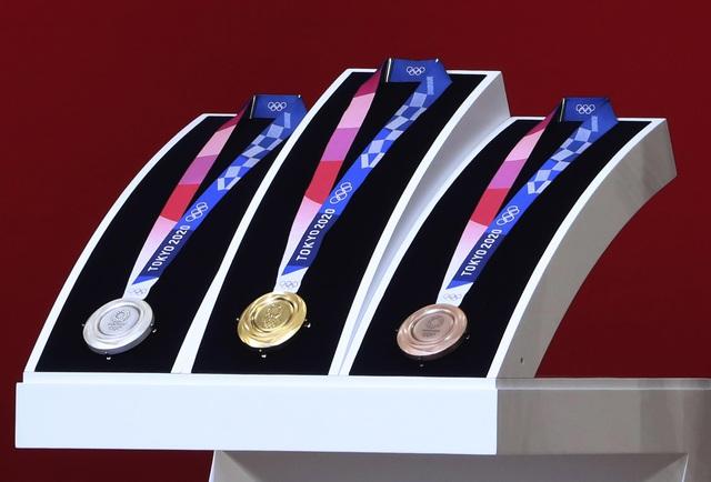 Hé lộ giá trị thật của những chiếc huy chương tại Olympic 2020 - Ảnh 1.