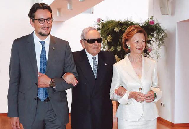 Tỷ phú giàu nhất nước Ý và câu chuyện làm giàu từ công ty gia đình: Truyền thống giống như một cây cung, càng kéo căng, càng phóng ra mũi tên hiện đại và đổi mới - Ảnh 7.