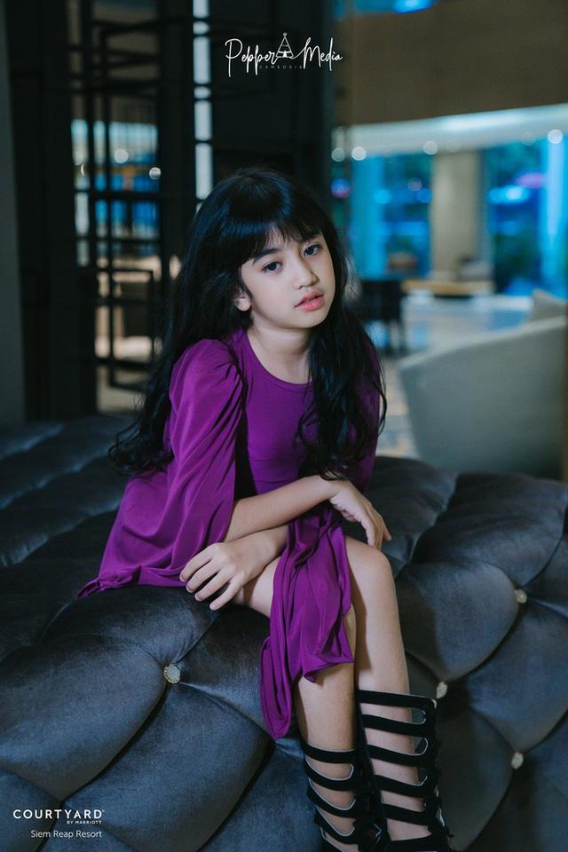 Viên ngọc quý của Hoàng gia Campuchia: Tiểu công chúa với vẻ đẹp lai cực phẩm dù mới 10 tuổi, soi thành tích chỉ biết xuýt xoa quốc bảo - Ảnh 4.