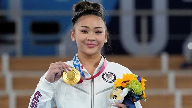 Nữ VĐV dân tộc HMông giành HCV Olympic Tokyo  - Ảnh 4.