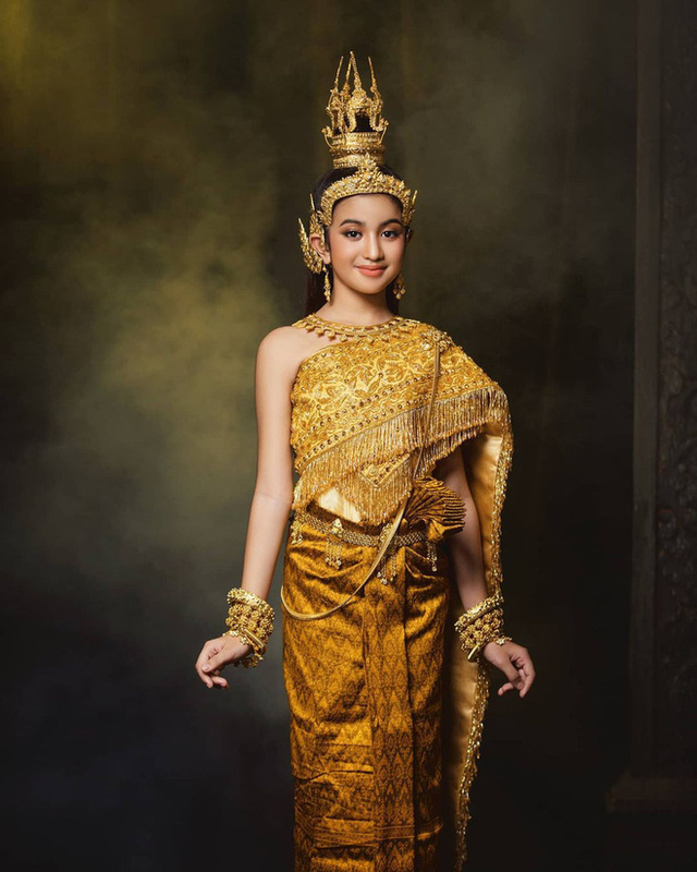 Viên ngọc quý của Hoàng gia Campuchia: Tiểu công chúa với vẻ đẹp lai cực phẩm dù mới 10 tuổi, soi thành tích chỉ biết xuýt xoa quốc bảo - Ảnh 5.