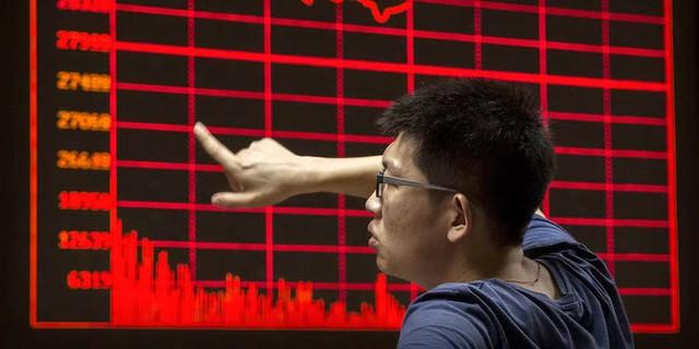 Một tuần tắm máu của chứng khoán Trung Quốc hé lộ rủi ro với các quỹ đầu tư toàn cầu - Ảnh 1.