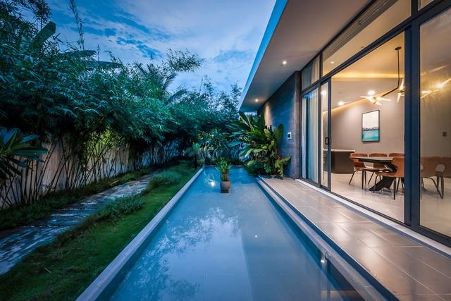 Ngôi nhà cấp 4 đẹp, được thiết kế như bungalow trong resort: Gia chủ tận hưởng không gian xanh, thư giãn ngay lại nhà mà không cần đi du lịch - Ảnh 2.
