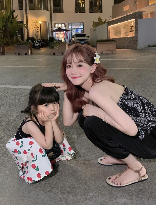 Gia sư toàn phần cho con cái giới siêu giàu ở Trung Quốc: Ngoại hình trẻ đẹp chuẩn gu chủ, học thức có thừa vẫn bị mất việc vì 1 quả trứng gà  - Ảnh 2.