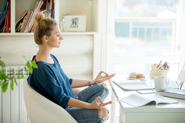 5 cách chống lo âu, buồn chán, nói không với trầm cảm trong mùa dịch, cái đầu tiên rất dễ nhưng ít ai chú trọng - Ảnh 2.