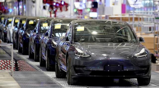 Mỹ tụt hậu trước Châu Âu và Trung Quốc trong cuộc đua sản xuất xe điện - Ảnh 1.