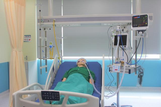 Việt Nam chế tạo thành công máy thở oxy dòng cao: Giúp 60 - 70% bệnh nhân Covid-19 hồi phục, không phải thở máy - Ảnh 1.