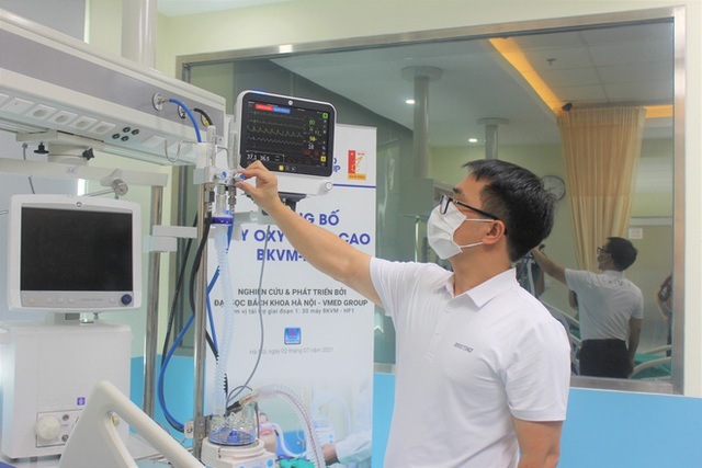 Việt Nam chế tạo thành công máy thở oxy dòng cao: Giúp 60 - 70% bệnh nhân Covid-19 hồi phục, không phải thở máy - Ảnh 2.