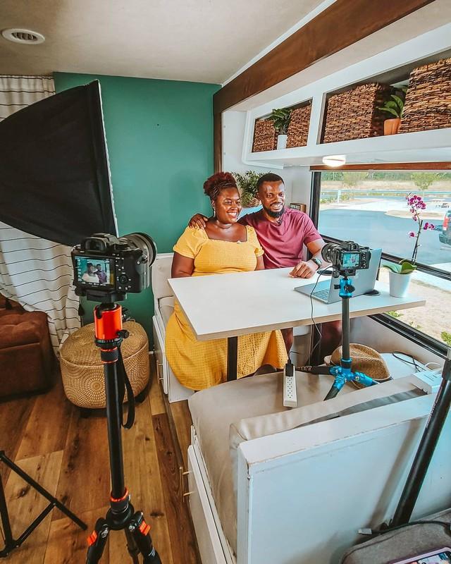 Bán nhà để ở trên xe di động, cặp vợ chồng có cuộc sống trải nghiệm ai cũng mơ ước, còn mang về thu nhập 1,8 tỷ/năm - Ảnh 12.