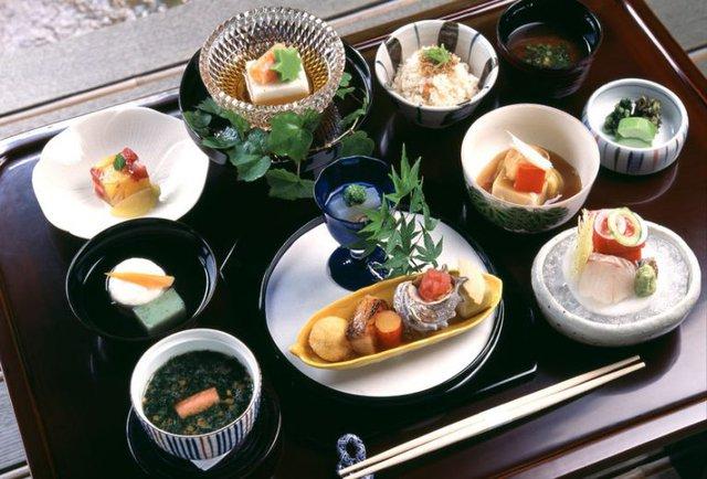 Ăn nhiều tinh bột nhưng tỷ lệ béo phì tại Nhật chỉ có 3%, lại sống thọ nhất thế giới, cách họ tiêu thụ thực phẩm rất đáng học hỏi  - Ảnh 3.
