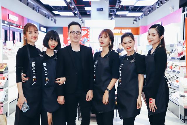 Mekong Capital đầu tư vào nhà bán lẻ mỹ phẩm lớn nhất Việt Nam, nhà phân phối độc quyền của The Face Shop, Reebok - Ảnh 2.