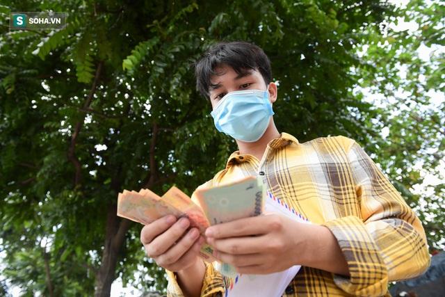 Nam sinh viên nghèo sáng quét rác chiều đi học, bị Công ty Minh Quân nợ 2 tháng lương, phải sống nhờ bà ngoại - Ảnh 3.
