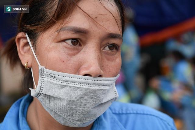 Nam sinh viên nghèo sáng quét rác chiều đi học, bị Công ty Minh Quân nợ 2 tháng lương, phải sống nhờ bà ngoại - Ảnh 4.