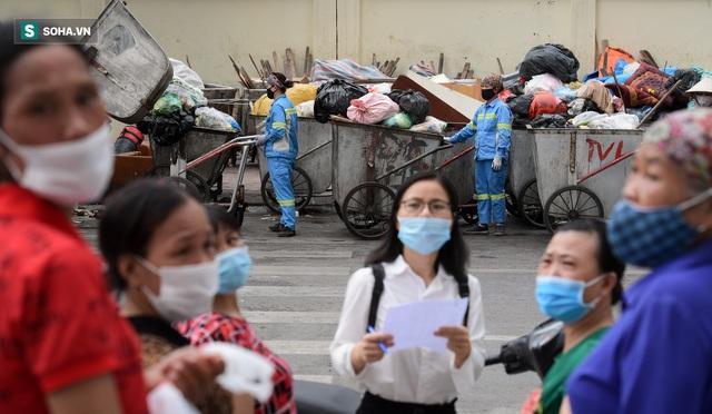Nam sinh viên nghèo sáng quét rác chiều đi học, bị Công ty Minh Quân nợ 2 tháng lương, phải sống nhờ bà ngoại - Ảnh 5.