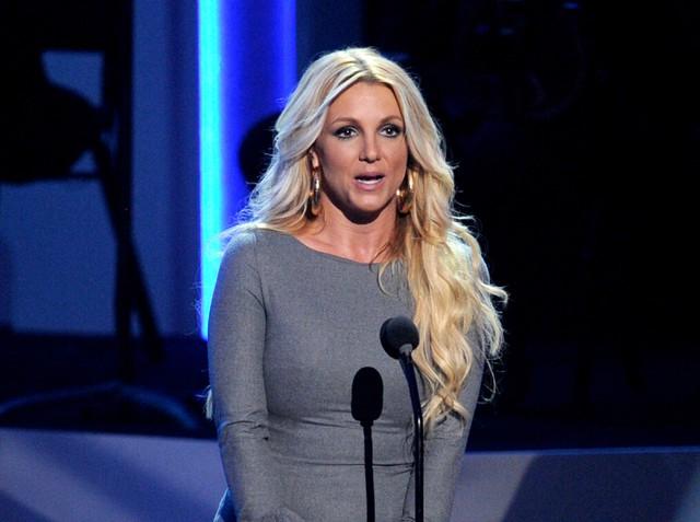 Bản điều tra lần đầu công bố loạt sự thật về quyền bảo hộ Britney Spears: Bị bố ruột chửi bới thậm tệ, muốn bên con nhưng bị áp giải như sát nhân  - Ảnh 6.