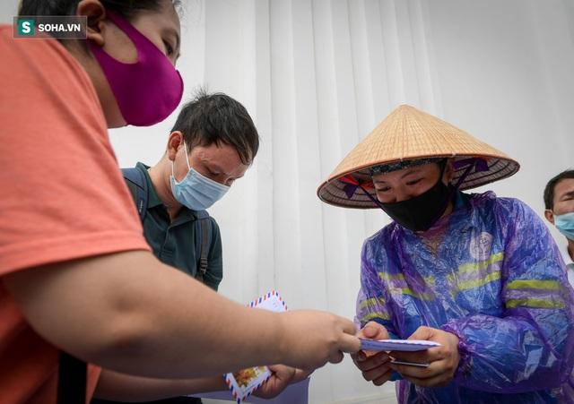 Nam sinh viên nghèo sáng quét rác chiều đi học, bị Công ty Minh Quân nợ 2 tháng lương, phải sống nhờ bà ngoại - Ảnh 9.