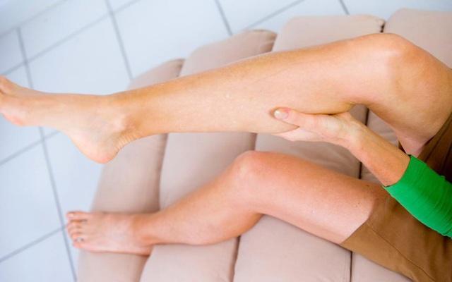 5 triệu chứng ở chân cho thấy cơ thể bạn đang trên đà lão hóa, mắc phải dù chỉ 1 cái cũng đã rất đáng lo - Ảnh 2.