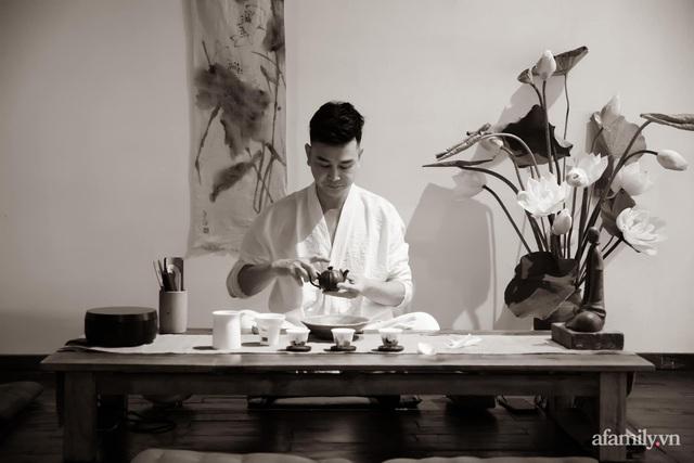 Người đàn ông cắm sen đỉnh của đỉnh ở Hà Nội chia sẻ cách chọn sen, dưỡng sen và chơi sen sao cho chuẩn - Ảnh 1.