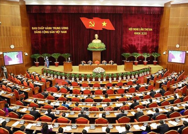Trung ương Đảng cách chức Bí thư Tỉnh uỷ Bình Dương Trần Văn Nam  - Ảnh 1.
