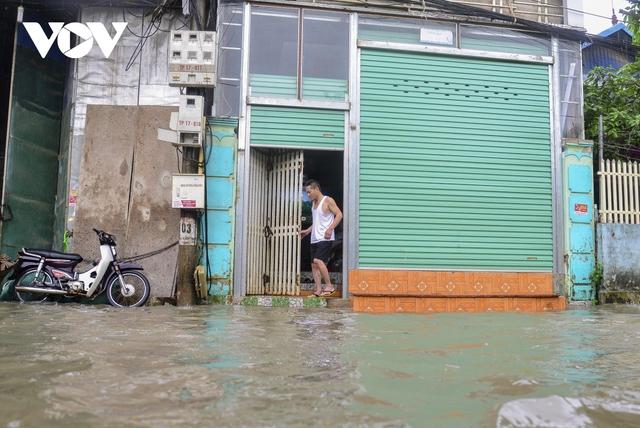 Mưa lớn, nhiều tuyến đường ở thành phố Điện Biên Phủ lại ngập - Ảnh 9.