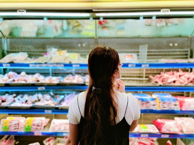 Tôi đi 3 cửa hàng, siêu thị mới mua được thực phẩm trong mùa dịch tại TP.HCM - Ảnh 12.