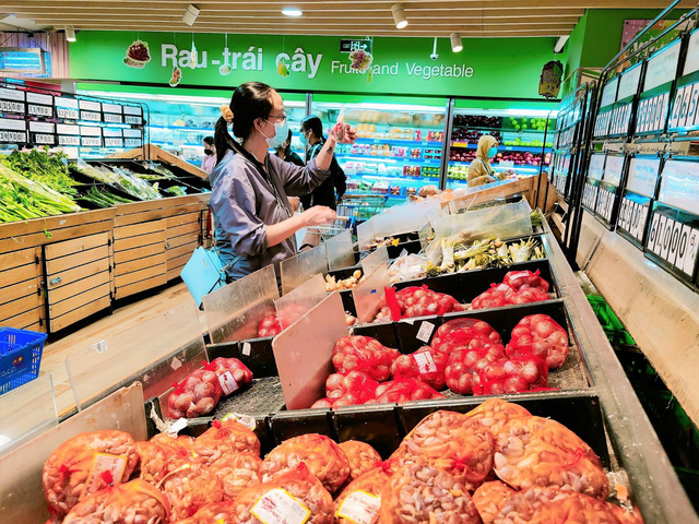 Tôi đi 3 cửa hàng, siêu thị mới mua được thực phẩm trong mùa dịch tại TP.HCM - Ảnh 11.
