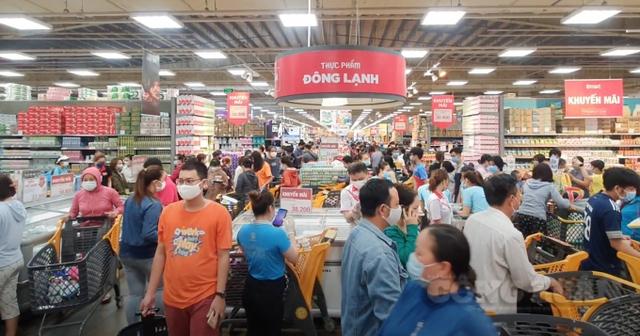 Nhu cầu thực phẩm tăng đột biến tại Tp.HCM: Các siêu thị AEON Mall, Big C, Vinmart tăng dự trữ cung lên gấp 5-7 lần, đảm bảo dự phòng cho 3-6 tháng - Ảnh 2.