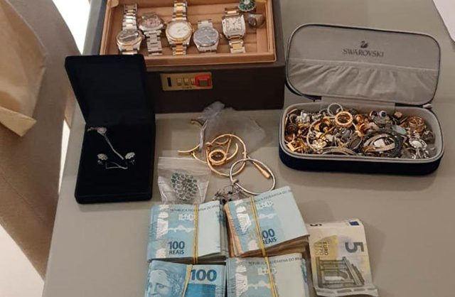 'Vua Bitcoin' bị bắt với cáo buộc lừa đảo 300 triệu USD - Ảnh 1.