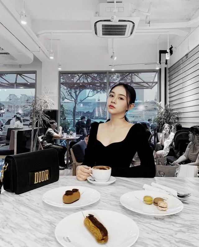 """BTV mới vừa đầu quân cho VTV chiếm spotlight vì thành tích quá khủng, từng thi hoa hậu, tốt nghiệp trường ĐH quốc tế nổi tiếng cho """"nhà giàu""""  - Ảnh 5."""