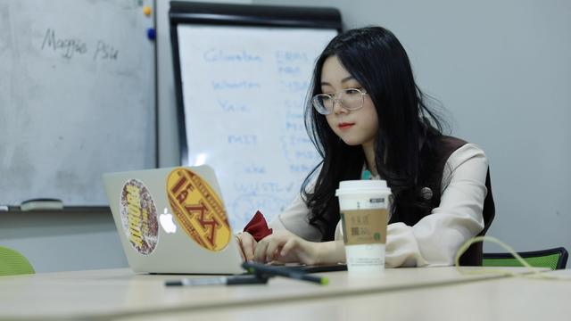 Nghề lạ đang nổi như cồn trong giới trẻ Trung Quốc - thúc giục khách hàng làm việc của mình: Doanh thu lên đến 300 triệu VNĐ/tháng, bản thân cũng tự hoàn thiện hơn - Ảnh 6.