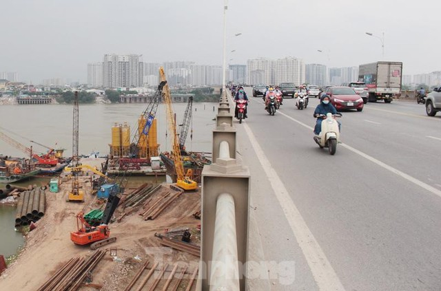 Hiện trạng cầu Vĩnh Tuy 2 sau 6 tháng khởi công - Ảnh 2.