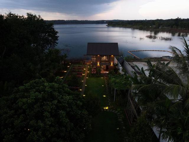 Ngôi nhà bên hồ xanh mướt của 5 người bạn thân ở Buôn Mê Thuột: Quyết biến điều phù phiếm thành giá trị, xây dựng một nơi chốn đi về, cùng thưởng thức cuộc sống - Ảnh 9.