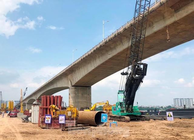 Hiện trạng cầu Vĩnh Tuy 2 sau 6 tháng khởi công - Ảnh 3.
