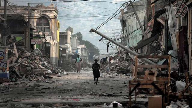 Nợ khủng tròng cổ 122 năm, 60% dân số kiếm được 2USD/ngày: Tại sao Haiti nghèo đến tuyệt vọng? - Ảnh 2.