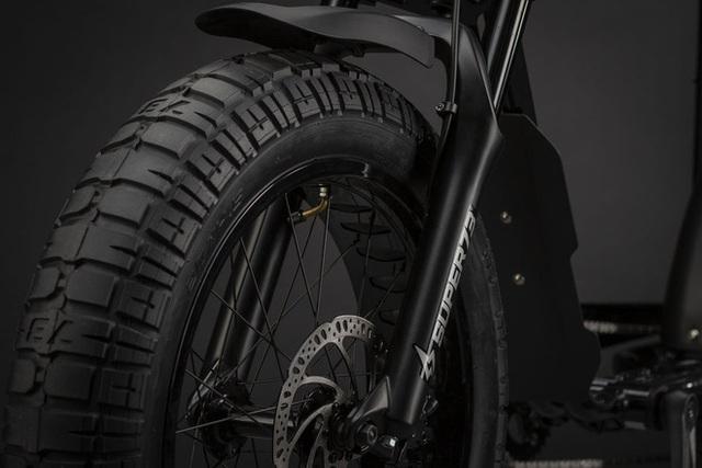 Chiếc xe đạp điện đón tuổi 27 của Sơn Tùng M-TP có gì đặc biệt mà đắt gấp 4 lần xe máy điện VinFast? - Ảnh 5.