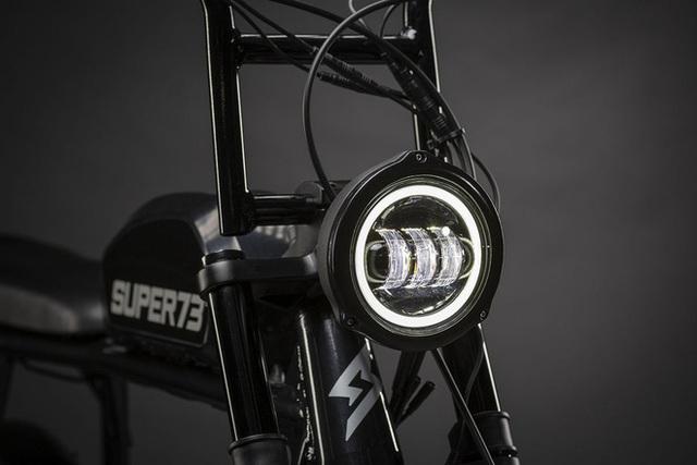 Chiếc xe đạp điện đón tuổi 27 của Sơn Tùng M-TP có gì đặc biệt mà đắt gấp 4 lần xe máy điện VinFast? - Ảnh 8.