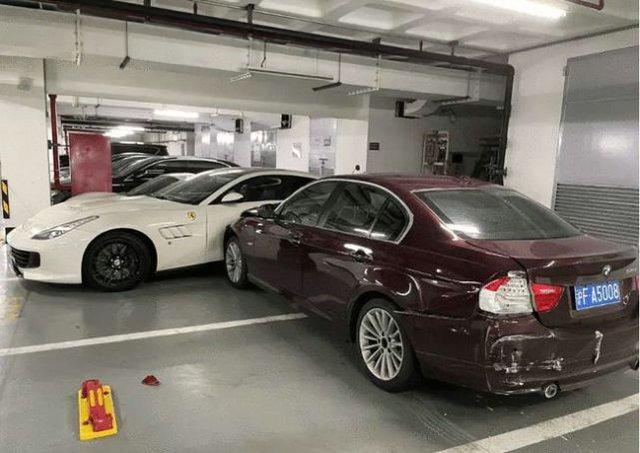 Nổi giận với chồng, cô gái lái BMW tông hàng loạt xe Ferrari, Porsche và Mercedes - Ảnh 1.