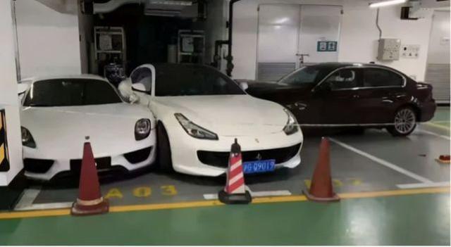 Nổi giận với chồng, cô gái lái BMW tông hàng loạt xe Ferrari, Porsche và Mercedes - Ảnh 3.