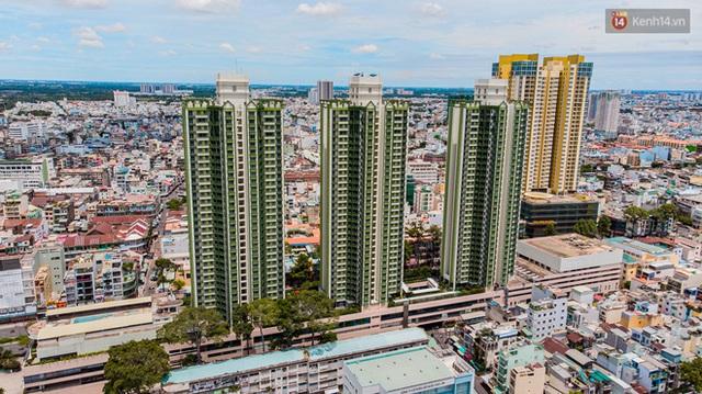 Ảnh: Cận cảnh toà nhà Thuận Kiều Plaza, nơi chuẩn bị được trưng dụng làm bệnh viện dã chiến điều trị Covid-19 - Ảnh 1.