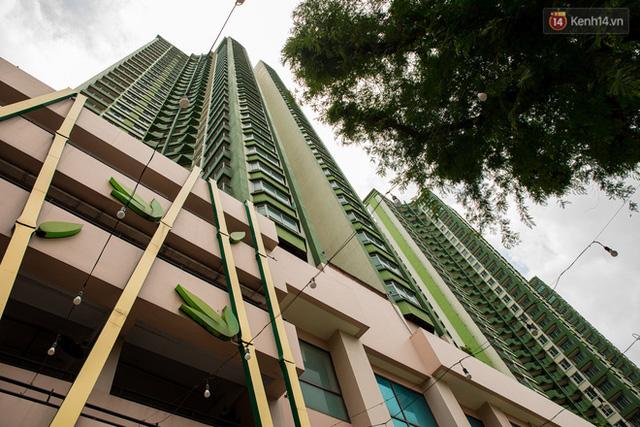 Ảnh: Cận cảnh toà nhà Thuận Kiều Plaza, nơi chuẩn bị được trưng dụng làm bệnh viện dã chiến điều trị Covid-19 - Ảnh 17.