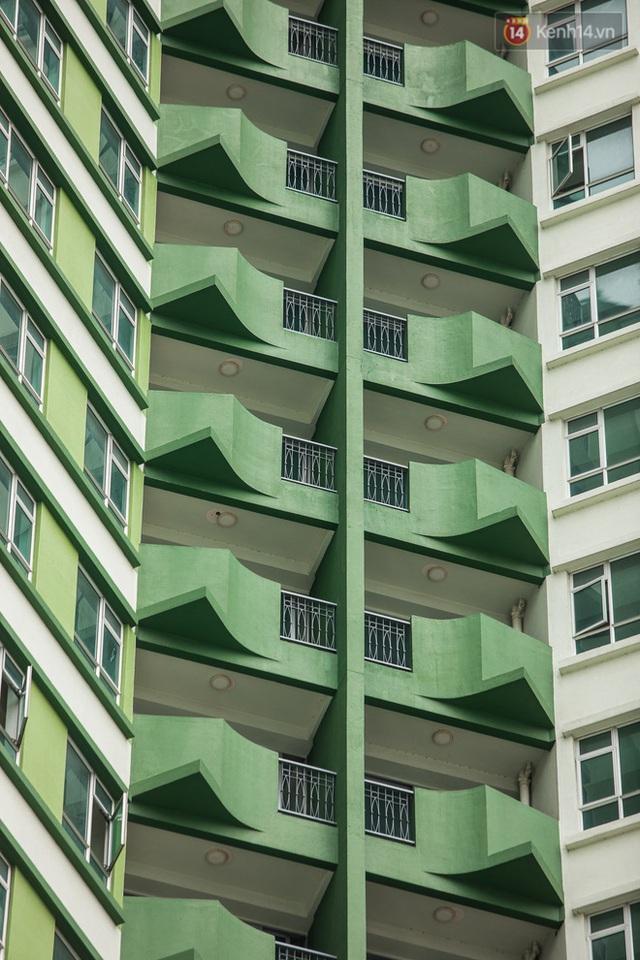Ảnh: Cận cảnh toà nhà Thuận Kiều Plaza, nơi chuẩn bị được trưng dụng làm bệnh viện dã chiến điều trị COVID-19 - Ảnh 18.