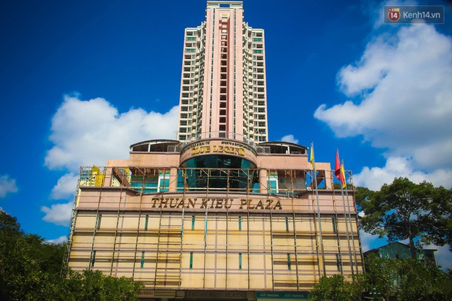 Ảnh: Cận cảnh toà nhà Thuận Kiều Plaza, nơi chuẩn bị được trưng dụng làm bệnh viện dã chiến điều trị Covid-19 - Ảnh 19.