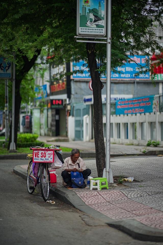 Sài Gòn sẽ lại mỉm cười, và ta sẽ bồi hồi nhớ về lúc này vì đó là: Những ngày đáng nhớ mà tất cả đã cùng nhau vượt qua!!! - Ảnh 6.