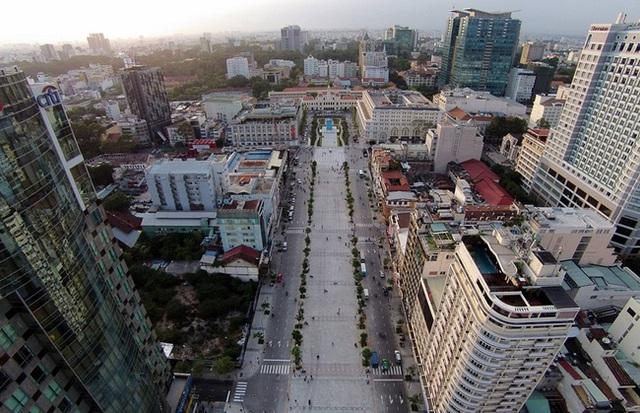 Bà chủ hiện tại của Thuận Kiều Plaza: Sở hữu khối tài sản ngang ngửa tỉ phú Phạm Nhật Vượng, bất chấp mọi lời đồn quyết vực dậy 3 tòa chung cư bỏ hoang - Ảnh 7.